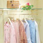 流行のキレイ色は、ON・OFFで使い分けて♡【淡色通勤&ヴィヴィット週末】コーデのサムネイル画像