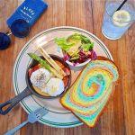 デッキテラス・虹色パン・BBQ…『材木座テラス』で、気分はハワイ♡のサムネイル画像