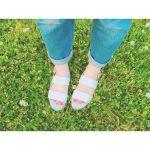 ラフなデニムスタイルに似合う【サンダル&バッグ】小物で夏コーデ♡のサムネイル画像