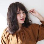 NEWヘアーに迷ったら!暗髪×ミディアム【外国人風パーマ】♡のサムネイル画像