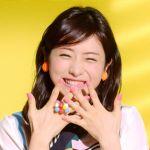 魅力的なのは笑顔だけ??石原さとみのファッション論が素敵♡のサムネイル画像